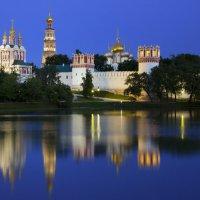 Новодевичий монастырь :: Марина Назарова