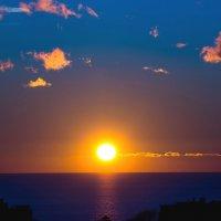 Закат над морем :: Андрей Воробьев