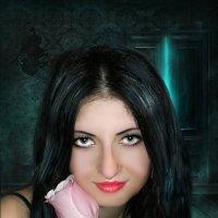 Девушка с розой. :: Светлана Волконская