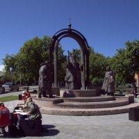Памятник святителю Фелофею :: Олег Петрушов