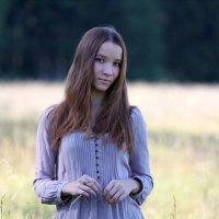 В поле :: Ксения Королева