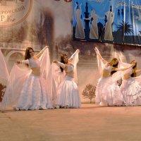 Танец невест :: Владимир Болдырев