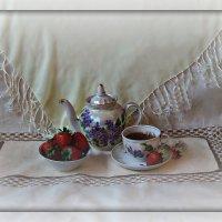 Чаепитие с клубничкой :: Лиза ....