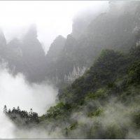 Китай. гора Тянмень :: Владимир Кабанов