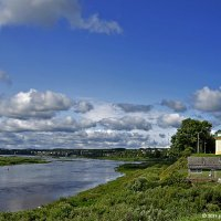 Церковь Успения Богородицы над рекой Сухоной :: Надежда Лаптева