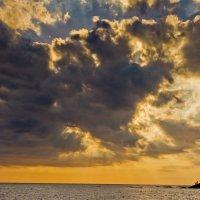 Облачно-солнечное настроение! :: Артем