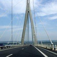 Проезд по мосту Нормандия :: Валерий Новиков