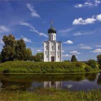 Церковь Покрова на Нерли :: Виктор Перякин