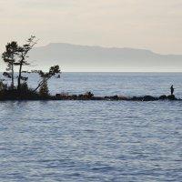 Время, проведенное на рыбалке, Господь Бог в счет жизни не засчитывает... :: Павел Федоров