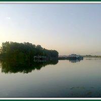 Утро раннее на реке Москва. :: Ольга Кривых