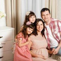 Семейная фотосессия (у меня в студии) :: Елена Леухина
