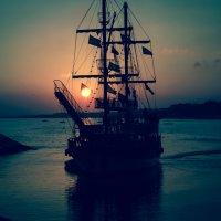В спокойной пиратской бухте :: Дмитрий М