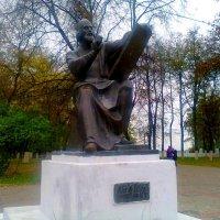 Памятник Рублёву во Владимире :: Катя Бокова