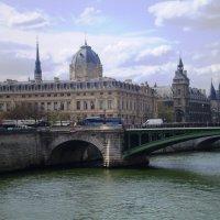 Прогулка по Сене :: Лариса Рогова