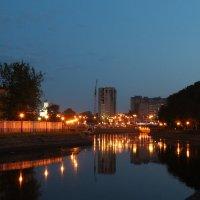 Вечерний город :: Лариса Ларионова