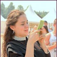 """-Девушка,когда фотографируешься, Надо говорить """"сыр"""",а не """"утюг"""" :: Марина Жилина"""