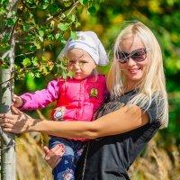 Портрет матери с ребёнком. :: Анатолий Клепешнёв