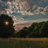 Закат над городом :: Александр Русанюк