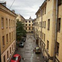 Внутренний дворик (из окна гостиницы). :: Ирина Прохорченко