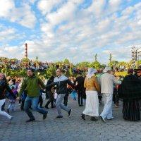 Танец :: Леонид Соболев