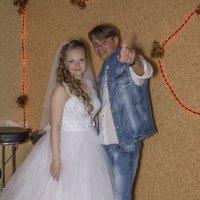 Автопортрет (в процессе работы с невестой Светланой) :: Алексей -