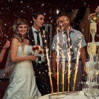 Пирамида на свадьбе... :: Владимир Натальченко