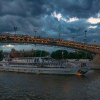 Под Патриаршим мостом :: Светлана Григорьева
