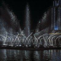Дубай, фонтан :: Elena Inyutina