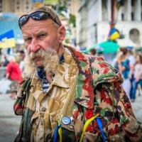 А в Киеве дядько... :: Сергей Офицер
