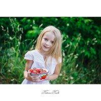 Клубничное настроение :: Tatiana Treide