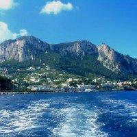 Отплытие от острова Капри. :: Лариса Евдокимова
