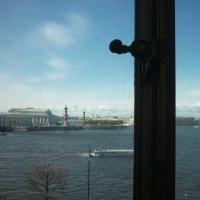 взгляд сквозь грязные окна Эрмитажа.....))))))) :: Oxi --