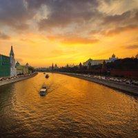 вечерняя суматоха в городе :: Александр Шурпаков