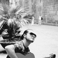 звуки гитары в чб исполнении :: Тамара Бердыева