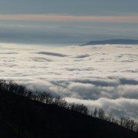 Там в далеке над облаками... :: Михаил Мордовин