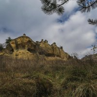 Серые скалы по дороге на Малое седло :: Vladimir 070549