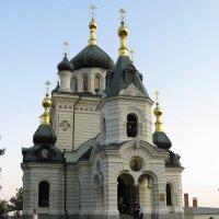 Церковь над Форосом. Крым. :: Серж Поветкин