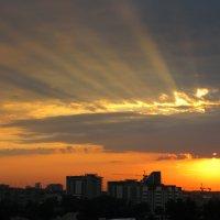 Закат в большом городе :: Татьяна Дмитриева