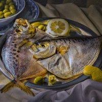 Натюрморт с рыбой :: Светлана Л.