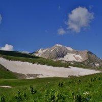 Взгляд на горы :: Владимир Лебедев