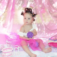 Маленькая принцесса Даночка :: Надежда Батискина