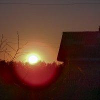 закат в красных тонах :: Алексей Денисов