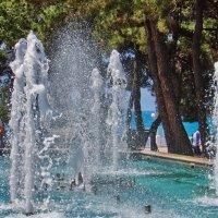море и фонтан :: Валерий Дворников