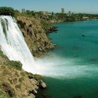 Водопад в Анталии :: Владимир А. Украинский