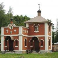 Церковь Иоанна Предтечи на Востряковском кладбище :: Александр Качалин