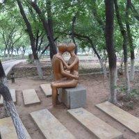 Скульптура в парке Фонарей :: Галина