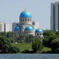 Церковь Троицы Живоначальной в Орехове-Борисове :: Александр Качалин