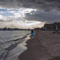 По следам на песке :: Valerii Ivanov
