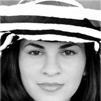 Девушка в шляпе :: Наталия Снигирёва