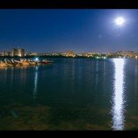 Город под луной.... :: Александр Мартовецкий